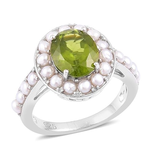 Super Auction- Designer Inspired AAA Rare Size Peridot (Ovl 4.00 Ct), Fresh Water Pearl Ring in Rhodium Plated Sterling Silver 6.500 Ct.