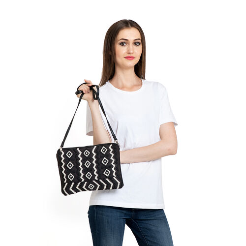 Black and White Colour Handbag (Size 30x20 Cm)