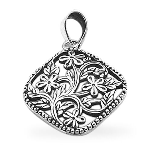 Thai Sterling Silver Floral Pendant, Silver wt 3.20 Gms.