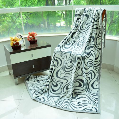 Superfine 300 GSM Microfiber Printed Flannel Black and White Colour Abstract Pattern Blanket (Size 200X150 Cm)