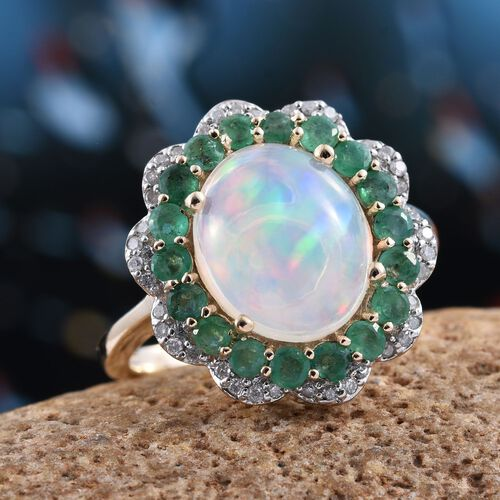 9K Y Gold AAA Ethiopian Welo Opal (Ovl 2.80 Ct), AAA Brazilian Emerald and Diamond (I3/G-H) Ring 4.000 Ct.
