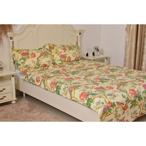 Red, Green and Multi Colour Floral and Birds Pattern Microfiber Reversible Quilt (Size 260X240 Cm) and 2 Pillow Shams (Size 70X50 Cm)