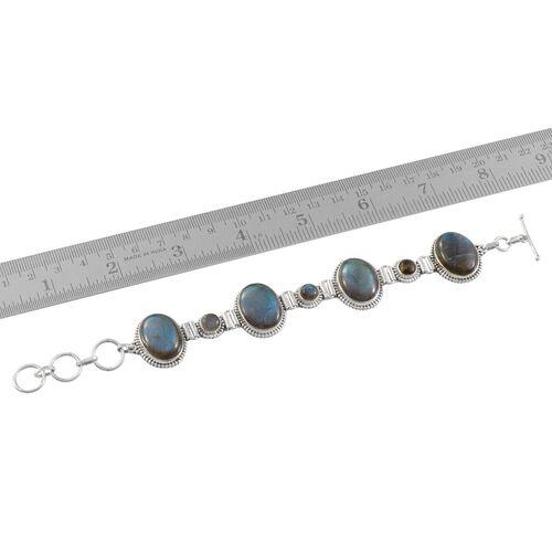 Labradorite Bracelet in Sterling Silver (Size 7.5) 70.880 Ct.