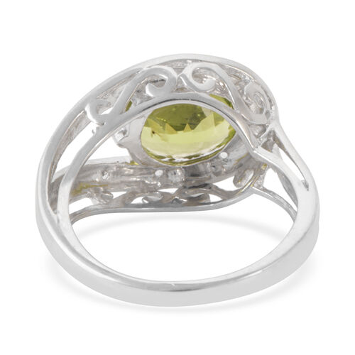 Hebei Peridot (Ovl 2.75 Ct), White Topaz Ring in Sterling Silver 2.790 Ct.