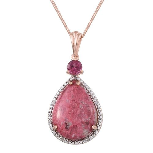 Norwegian Thulite (Pear 14.25 Ct), Rhodolite Garnet and Diamond Pendant With Chain in Rose Gold Overlay Sterling Silver 14.780 Ct.