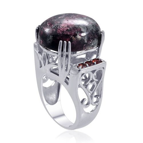 Russian Eudialyte (Ovl 17.50 Ct), Mozambique Garnet Ring in Platinum Overlay Sterling Silver 18.000 Ct.