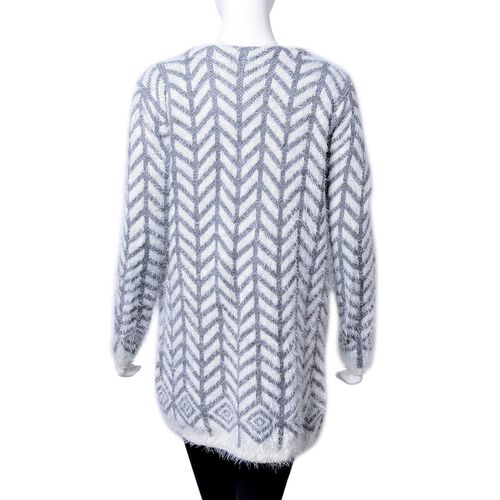 Grey and White Colour Chevron Pattern Knitted Apparel with Pockets (Size 78X52 Cm)