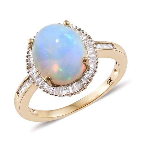 9K Y Gold Ethiopian Welo Opal (Ovl 2.25 Ct), Diamond Ring 2.550 Ct.