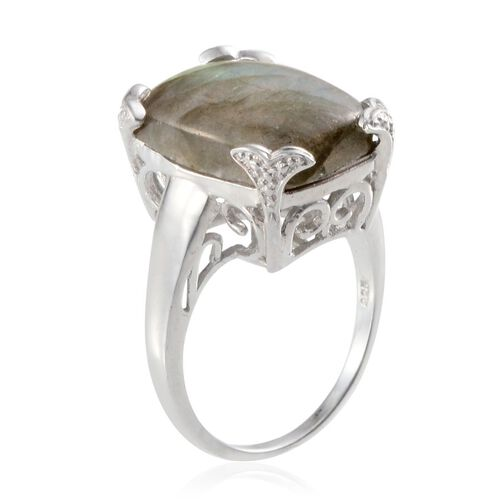 Labradorite (Cush) Ring in Platinum Overlay Sterling Silver 15.000 Ct.