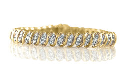 9K Yellow Gold AGI Certified Diamond (Rnd) Very Good Cut (I1/G-H) Bracelet (Size 7.25) 4.000 Ct., Gold wt. 16.60 Gms.