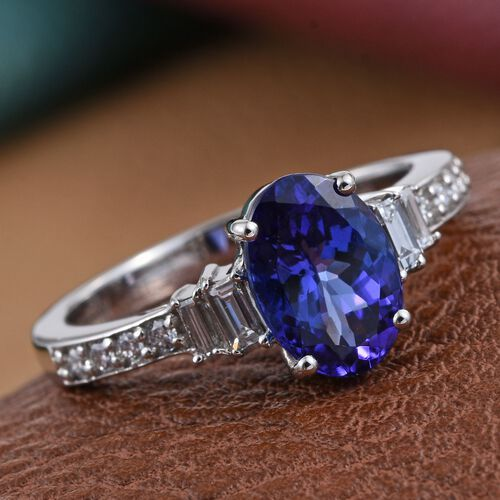 RHAPSODY 950 Platinum 2.10 Carat AAAA Tanzanite Oval Ring, Diamond VS E-F.