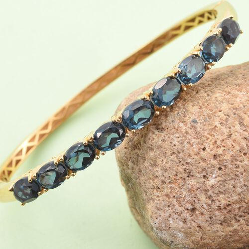 Indicolite Quartz (Ovl) Bangle (Size 7.5) in 18K Yellow Gold Bond 13.500 Ct.