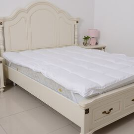Luxury Edition Double Size- 85 GSM Peach Skin Soft and Water Repellent 500 GSM 3D Mattress Topper 135x190 cm