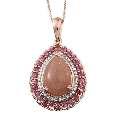 Morogoro Peach Sunstone (Pear 5.25 Ct), Rhodolite Garnet and Diamond Pendant With Chain (Size 18) in Rose Gold Overlay Sterling Silver 6.510 Ct.
