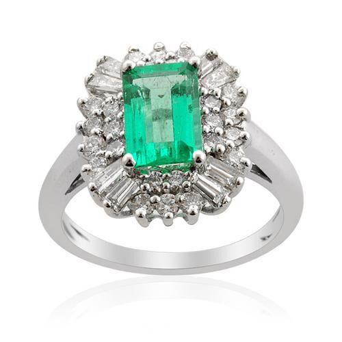 ILIANA Boyaca Colombian Emerald (1.485 Ct) and Diamond 18K W Gold Ring  2.510 Ct.