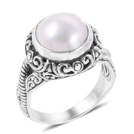 Royal Bali Colletion White Mabe Pearl (Rnd) Filigree Ring in Sterling Silver, Silver wt 6.88 Gms.