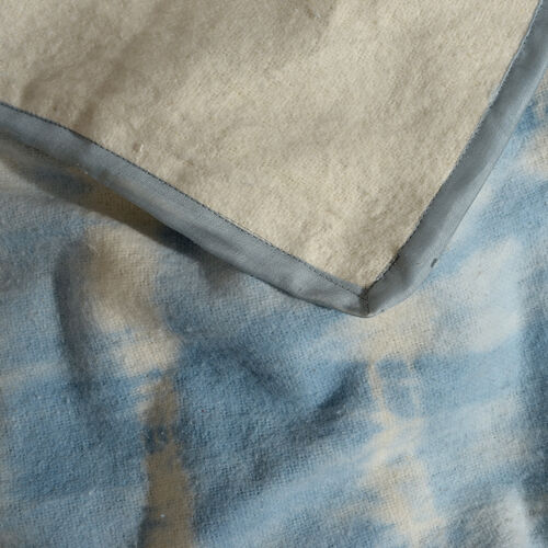 100% Cotton Flannel Light Blue and White Colour Tie & Dye Design Plaid (Size 150x130 Cm)