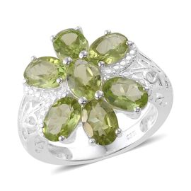 Hebei Peridot (Ovl) 7 Stone Ring in Sterling Silver 6.250 Ct.