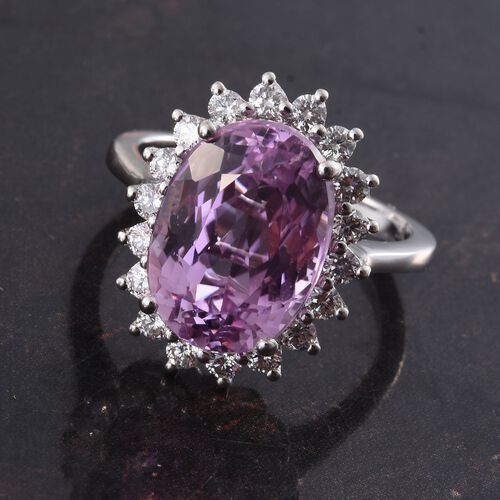 ILIANA 18K W Gold AAAA Kunzite (Ovl 8.75 Ct), Diamond (SI/G-H) Ring 9.500 Ct., Metal wt 5.50 Gms.