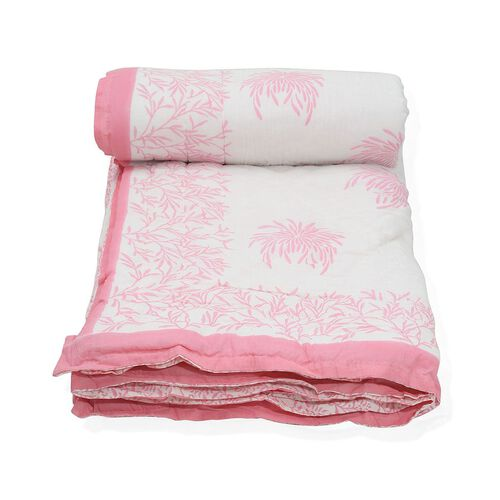 Cotton and Fibre Pink Colour Flower and Leaves Printed White Quilt (Size 274x223 Cm)