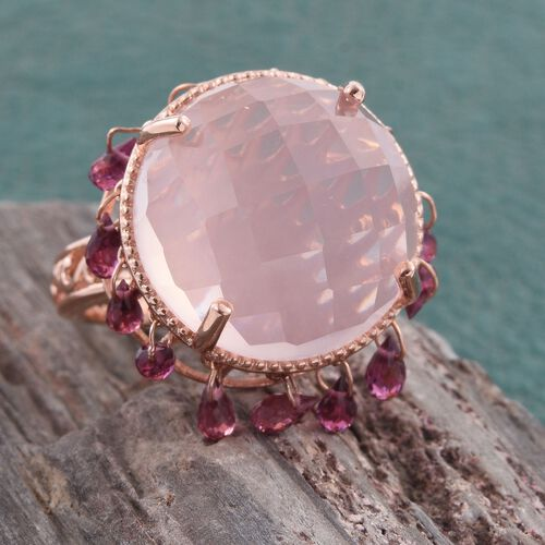 GP Rose Quartz (Rnd 29.23 Ct), Rhodolite Garnet and Kanchanaburi Blue Sapphire Ring in Rose Gold Overlay Sterling Silver 34.250 Ct.