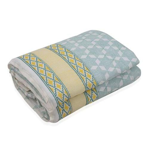 Cotton and Fibre Multi Colour Diamond Pattern Quilt (Size 274x223 Cm)