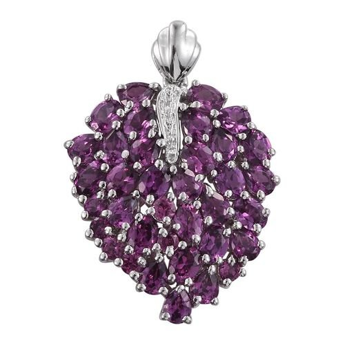 Rare Mozambique Grape Colour Garnet (Ovl) Leaf Pendant in Platinum Overlay Sterling Silver 6.500 Ct.