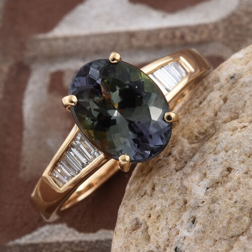 ILIANA 18K Yellow Gold AAA Green Tanzanite (Ovl 3.28 Ct), Diamond (SI/G-H) Ring 3.500 Ct.