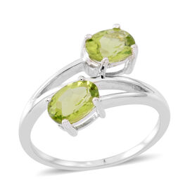 Hebei Peridot (Ovl) Crossover Ring in Sterling Silver 2.750 Ct.