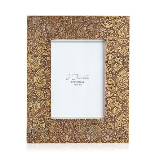 (Option 1) Hand Crafted Embossed Brass and Gold Plated Paisley Design Wooden Photo Frame (Size 7x5 Inch)