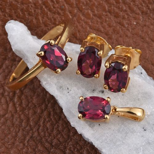 Rhodolite Garnet (Ovl 0.90 Ct) Solitaire Ring, Pendant and Stud Earrings (with Push Back) in 14K Gold Overlay Sterling Silver 3.550 Ct.