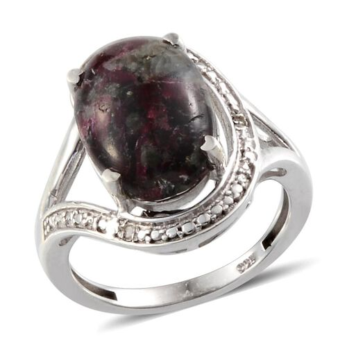 Natural Russian Eudialyte (Ovl 4.50 Ct), Diamond Ring in Platinum Overlay Sterling Silver 4.510 Ct. Silver wt 3.70 Gms.
