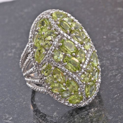 Designer Inspired- Hebei Peridot (Ovl) Ring in Platinum Overlay Sterling Silver 6.500 Ct. Silver wt 9.45 Gms.