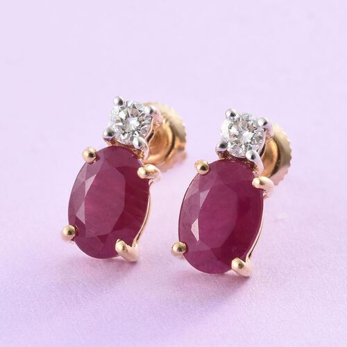 ILIANA 18K Yellow Gold 1.75 Ct. AAAA Pigeon Blood Burmese Ruby Diamond (SI/G-H) Stud Earrings (with Screw Back)