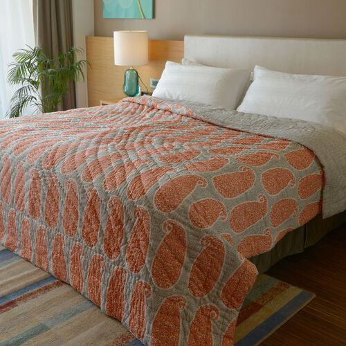 100% Cotton Paisley Pattern Orange and Grey Colour Printed Reversible Quilt (Size 240x150 Cm)