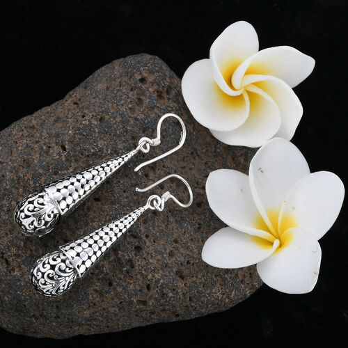 Royal Bali Collection Sterling Silver Hook Earrings, Silver wt 6.86 Gms.