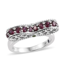 GP Rhodolite Garnet (Rnd), Russian Diopside and Kanchanaburi Blue Sapphire Ring in Platinum Overlay Sterling Silver 2.000 Ct. Silver wt 5.48 Gms.