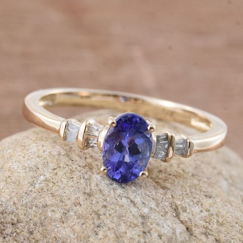 9K Yellow Gold 0.67 Carat AA Tanzanite (Ovl 0.61 Ct), Diamond Ring