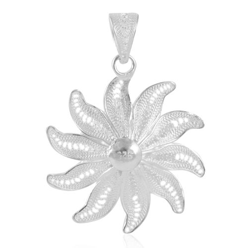 Royal Bali Collection Sterling Silver Sun Flower Pendant, Silver wt 4.10 Gms.