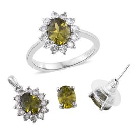 AAA Simulated Demantoid Garnet (Ovl), Simulated Diamond Ring, Pendant and Stud Earrings (with Push Back)