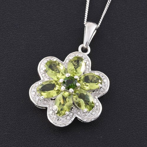 AAA Hebei Peridot (Ovl), Natural Cambodian Zircon and Russian Diopside Flower Pendant with Chain in Platinum Overlay Sterling Silver 5.250 Ct.