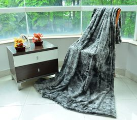 Grey Wolf Faux Fur Blanket Off-White Colour with Supersoft Flannel Backing (Size 200X150 Cm)
