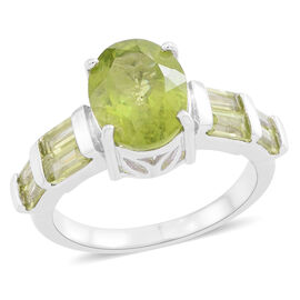 Rare Size Hebei Peridot (Ovl 4.00 Ct) Ring in Rhodium Plated Sterling Silver 5.250 Ct.