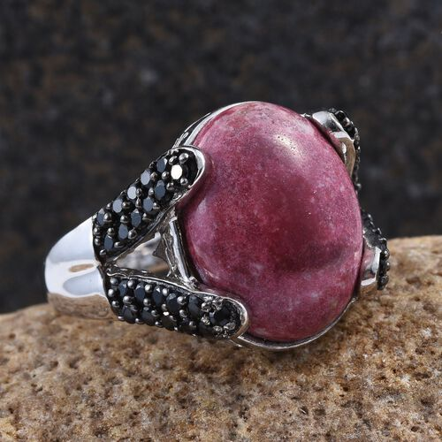 Norwegian Thulite (Ovl 10.75 Ct), Boi Ploi Black Spinel Ring in Platinum Overlay Sterling Silver 11.500 Ct.