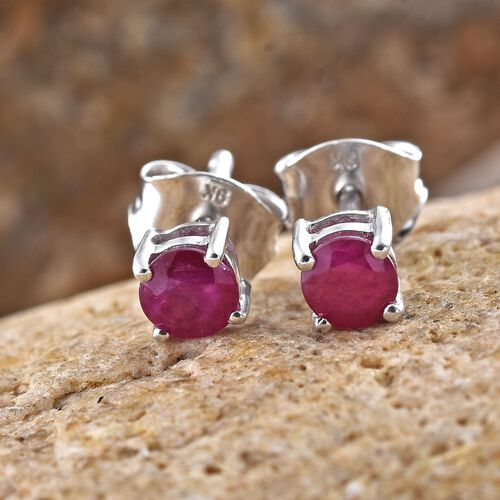 9K White Gold 0.75 Carat AA Burmese Ruby (Rnd) Stud Earrings (with Push Back)