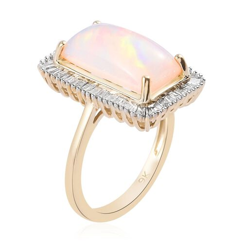 9K Yellow Gold AA Ethiopian Welo Opal (Bgt 14x7mm) and Natural Diamond Ring in 3.60 Ct.