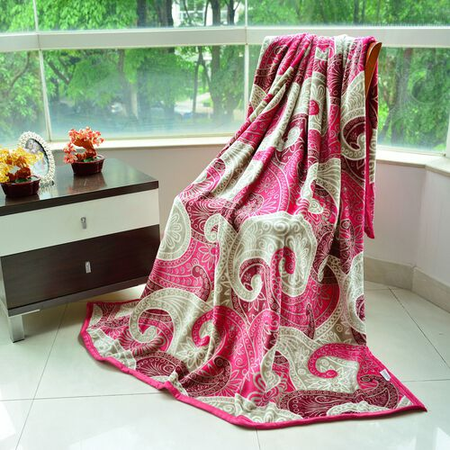 Superfine 300 GSM Microfiber Printed Flannel Red and Off White Colour Swirl Pattern Blanket (Size 200X150 Cm)