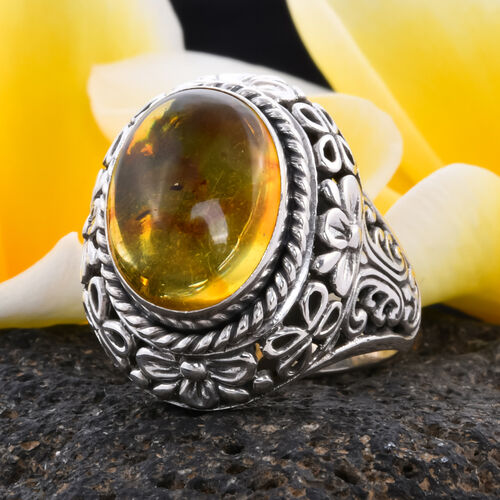 Royal Bali Collection - Baltic Amber Solitaire Ring in Sterling Silver, Silver wt 9.45 Gms