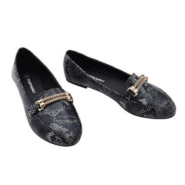 Croc Slip Snake Shoe in Black (Size 8)