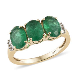 2.25 Ct AAA Zambian Emerald and Diamond 3 Stone Ring in 9K Gold 1.75 Grams